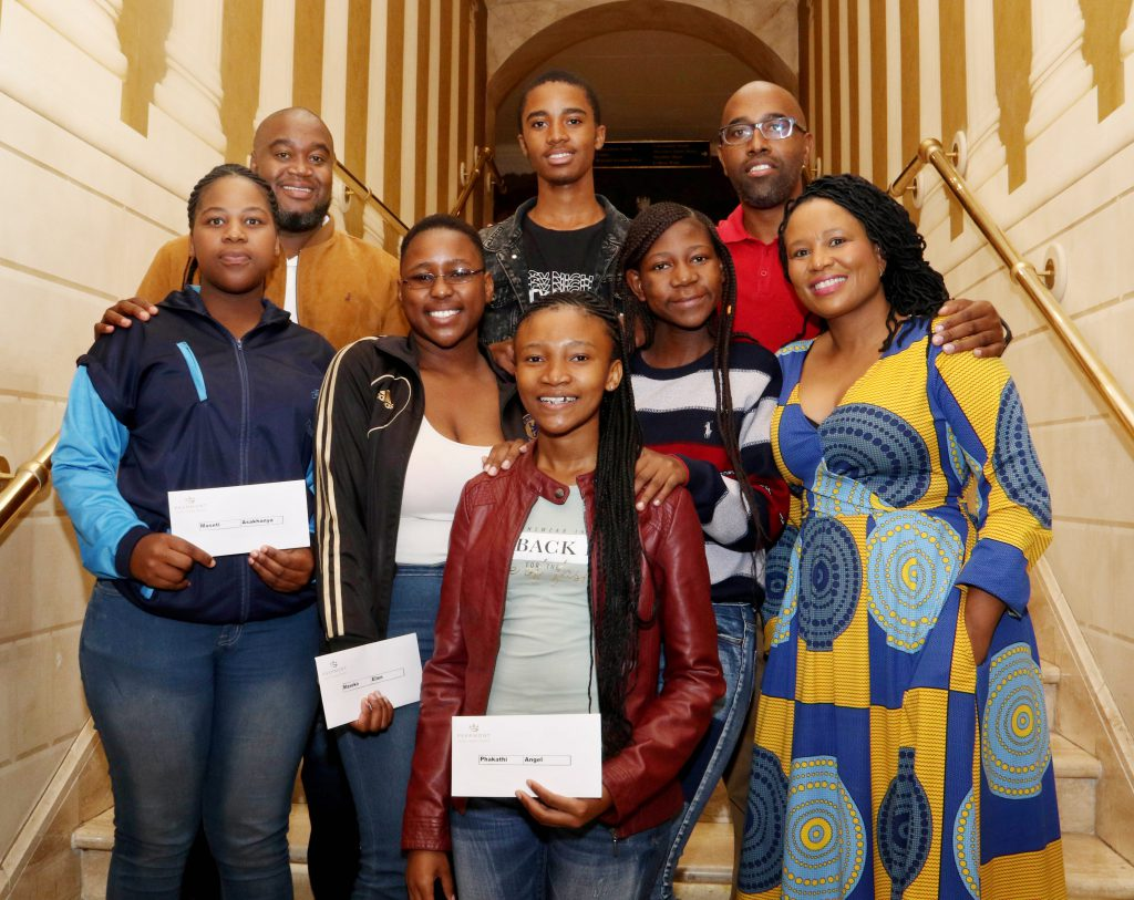 Five lucky local youngsters have each received an all-expenses paid scholarship this year, valued at over R170 000 each, from the Southern Highveld Community Development Trust (SHCDT), a CSI initiative of Graceland Hotel Casino & Country Club, to follow their dreams of obtaining a tertiary education. Here the lucky recipients, in the front, Angel Phakathi, middle, Asakhanya Maseti, Ellen Maseko, Philisiwe Mayaba and at the back, Nhlakanipho Mngomezulu (middle) celebrate this wonderful opportunity with Peermont Human Resources Executive, Fihliwe Molefi (middle right) and two SHCDT Alumni, Mishael Mashele (back left) and Mike Sibeko (back right) at an induction function at Emperors Palace recently. Successful businessmen, Mashele and Sibeko, who attribute much of their success to the opportunities that arose because of the SHCDT scholarships they received, were involved in the selection of the new bursary recipients.    (Photograph by Yolanda van der Stoep)