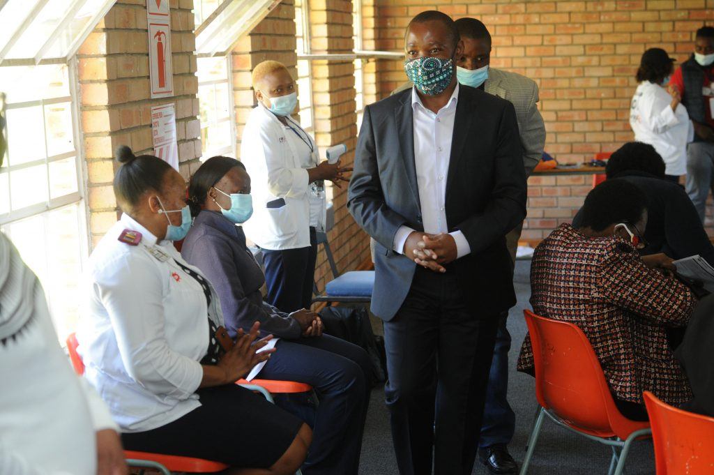 GSDM EXECUTIVE MAYOR MUZI CHIRWA AND DELEGATION MONITORING THE PROCESSES AT THE SMT